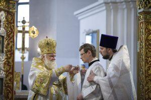 Священническая хиротония выпускника семинарии диакона Андрея Бушмелёва