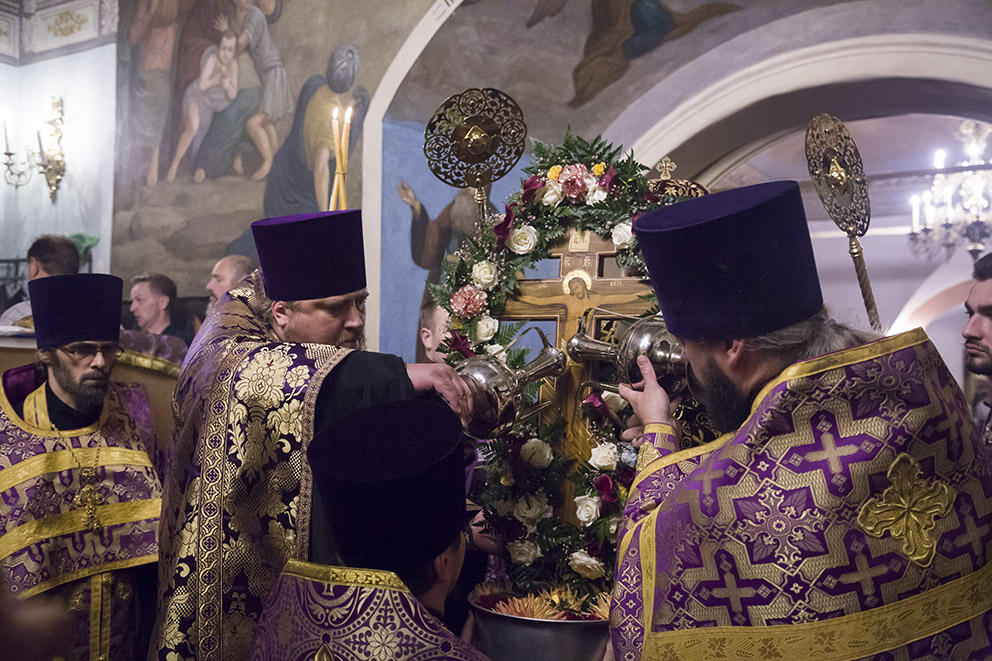 Канун праздника Крестовоздвижения